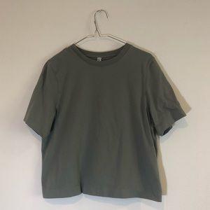 Uniqlo Boxy Cropped Green Short Sleeve T-shirt